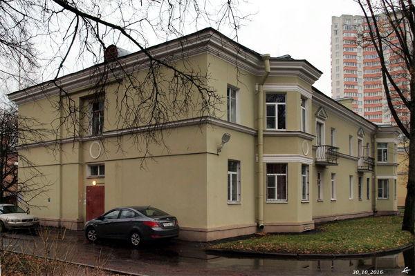 Пешеходная экскурсия «Сталинский городок на Пороховых»