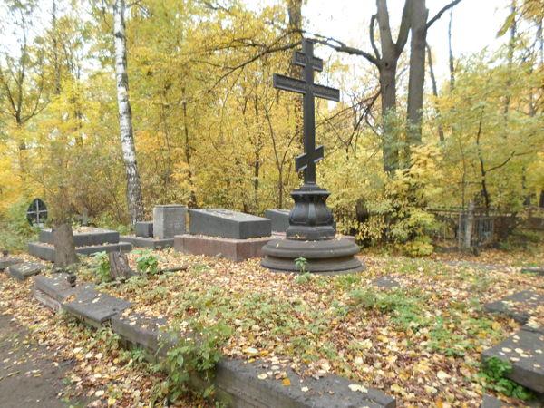 Пешеходная экскурсия «Загадки и тайны Малоохтинского старообрядческого кладбища»