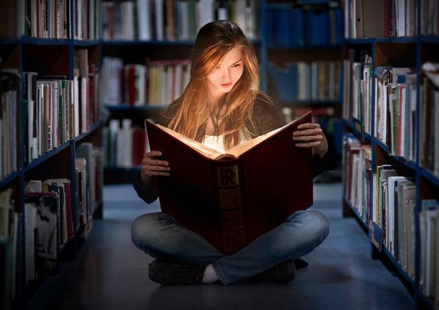 подвальная жизнь и чтение книг
